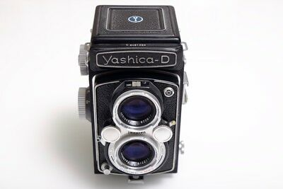 Yashica D TLR with Yasikor 80mm f3.5 lens - Neat Mint Condition!