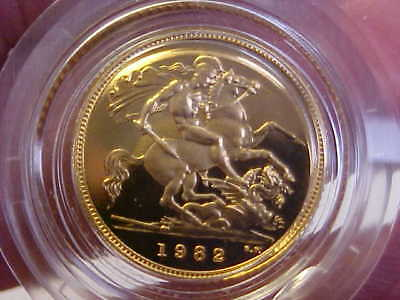 1982 Great Britain, Elizabeth II, PROOF Gold Half Sovereign in Mint Capsule