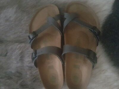 Berkenstock shoes size 8. Brand new with out tag