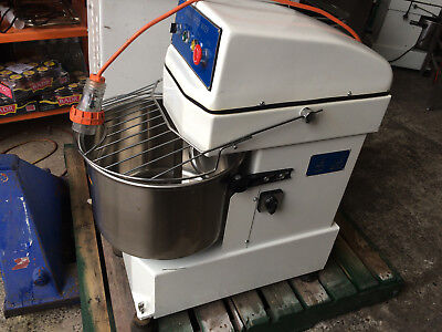Commercial dough mixer, 30 liters 2 speed