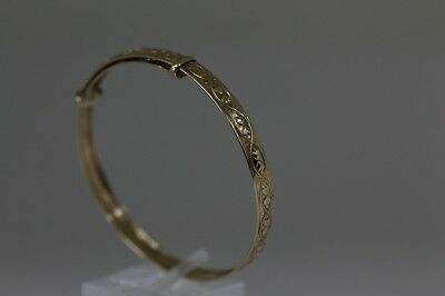 Hallmarked 9 ct Gold Heart Patterned Baby Bangle.