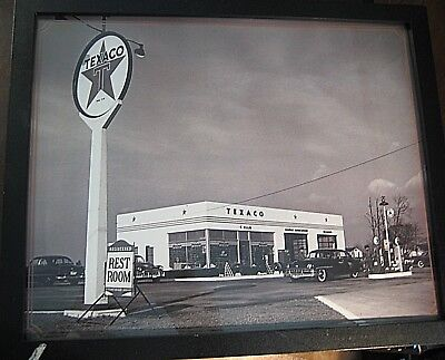 LARGE VINTAGE PICTURE FRAMED  TEXACO  FILLING GAS STATION OLD 1950s OIL COMPANY