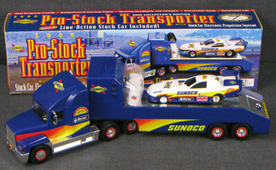 Sunoco - Pro-Stock Transporter + Live-Action Stock Car - 7Th In A Series - 2000