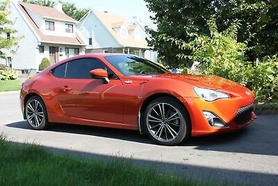 2015 Scion FR-S  Almost new 2015 TOYOTA SCION FR-S with 22600 km. (14049 miles) only!