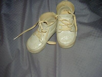 "VTG LEATHER  BABY SHOES - Well Worn - White About 5"" Long"