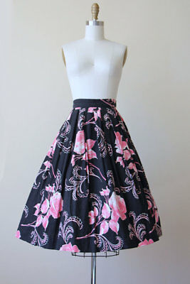 Original Vintage 1950s Pink Rose Print Cotton Full Skirt - small