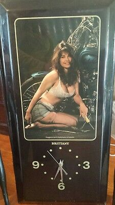 Vintage Wall Clock Collectible Plaque Wall Clock with Brittany