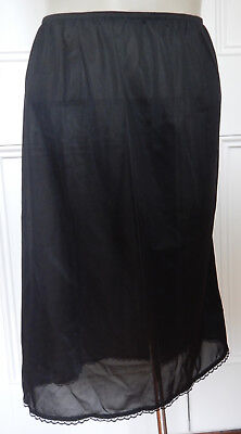 Glamorous black vintage-style half-slip with lace trim size 22 (US 18)