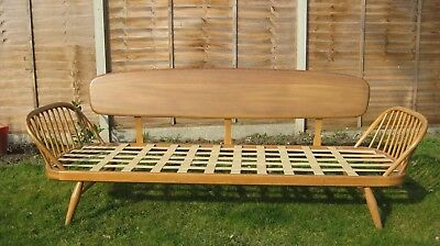 Ercol daybed with cushions (day bed, sofa, settee) vintage (Nr Cambridge).