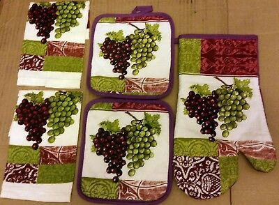 5 pc KITCHEN SET:  2 POT HOLDERS, 2 DISHCLOTHS, & 1 OVEN MITT, GRAPES by BH