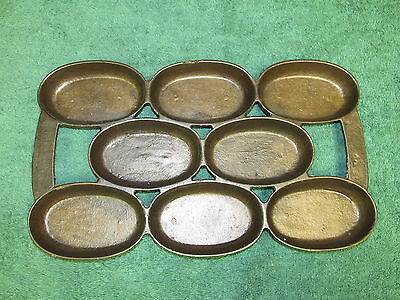 Antique Unmarked 5, P Cast Iron Gem Pan, Gate Marks Cleaned, Seasoned, #8