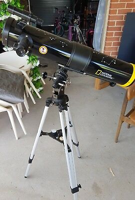 National Geographic 76/700 EQ Reflector telescope with Mount