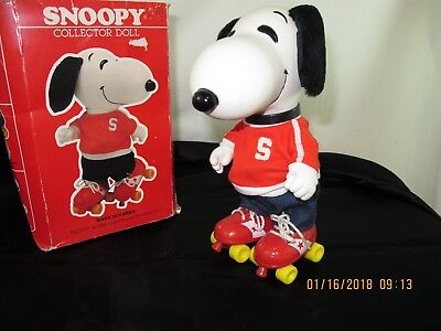 """Vintage Snoopy Doll on Roller Skates 1958 Brand New 9 1/2"""" tall"""