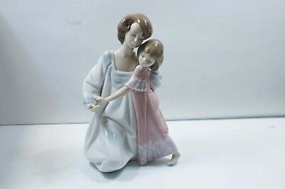 "Lladro "" Good Night "" Mother & Daughter #5449  Mint W/ Box & Booklet  B059"
