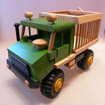 Uniwood 10028 Unimog Tiertransport Holzspielzeug Öko Made in Germany 35x18x23cm