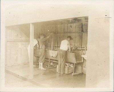 1918 Photo Washing Young Men Sinks Outside Portrait Historic Vintage People Rare