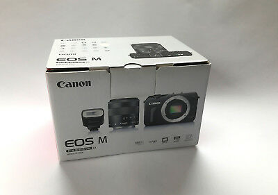 CANON EOS M Compact System Camera 18MP with EF-M 18-55mm and 90EX