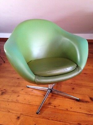 Mid Century Modern Overman Pod Egg Chair Avocado Green Swivel Club Chair