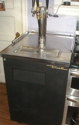 True Triple Tap Draft Beer Dispenser / Kegerator