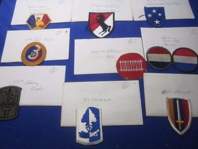 Mixed Lot of Military Patches, WW2, Viet Nam, Old Stock     ( Lot 2)