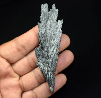 131.75 Cts. 100 % Natural Black Kyanite Rough 93*26*13 mm Fancy Mineral Gemstone