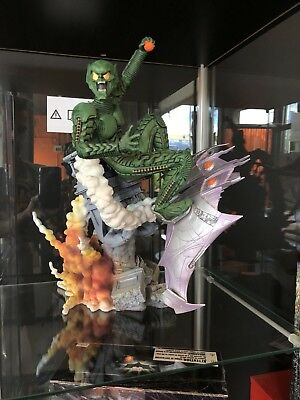 Displayed Perfect Condition Greeen Goblin Statue 2002 Factory X Spider-man Movie
