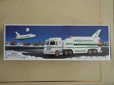 *****1999 Hess Toy Truck And Space Shuttle With Satellite New In Box*****