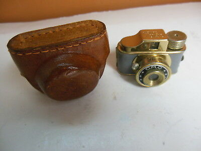 TINY CMC MINIATURE SPY CAMERA & CASE Vintage Grey Gold Antique 50's Classic Mini