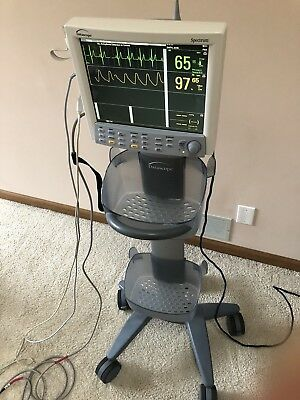 Datascope Spectrum EKG O2 Pulse BP Patient Monitor w/wireless module & Stand
