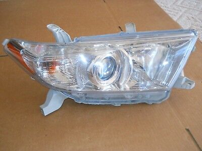 2011 2012 2013 Toyota Highlander Right Headlight Genuine Oem Excellent
