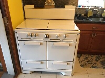 Vintage stove - 1940s Roper gas range, 4 burners, oven, great condition