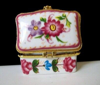 Lovely Porcelain Rectangle Pill Box/Trinket/Ring Box w/Flowers in Pink & Purple