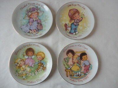 "Vintage Avon Mothers Day Plates 1981-1982-1983-1984 ,  5"" size"