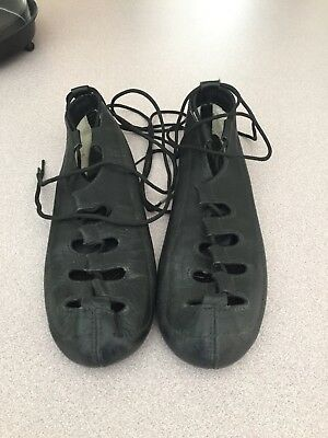 Soft shoe Irish dance shoes size 7 women's. Gently used. In very good condition.