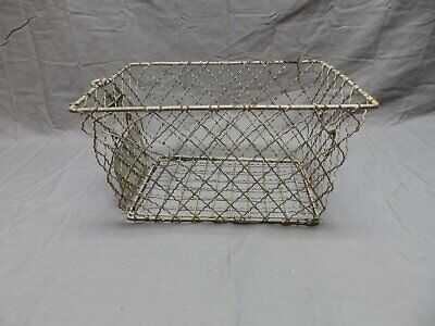 Vtg Wire Basket Gym Locker Swimming Pool Unique Diamond Old Drop Handle 658-18P
