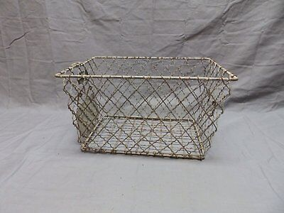 Vtg Wire Basket Gym Locker Swimming Pool Unique Diamond Old Drop Handle 659-18P