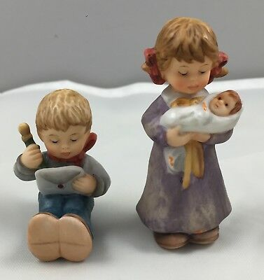 1999 Goebel Berta Hummel Figurine Set A North Pole Address Lullaby For Dolly 620