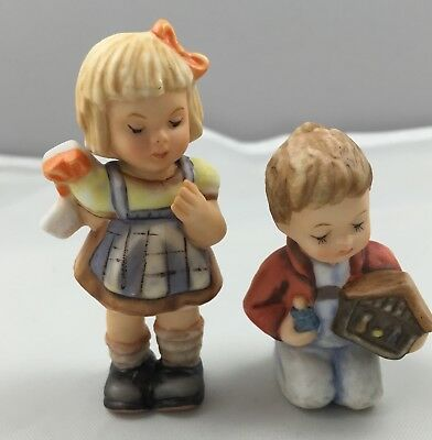 Goebel Berta Hummel Figurine Set My Favorite Nativity & A Surprise For You 623