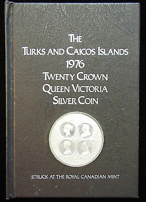 1976 Turks & Caicos 20 Crown Queen Victoria Silver Coin. Book Holder. (318097)