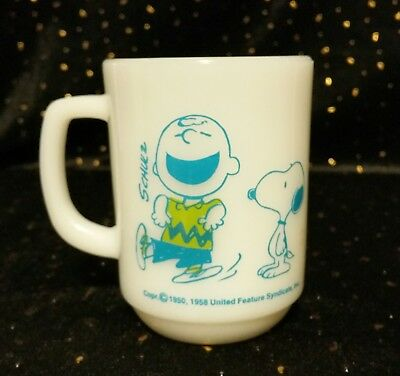 ANCHOR HOCKING Peanuts Snoopy Charlie Brown FIRE KING Mug - Made in U.S.A.