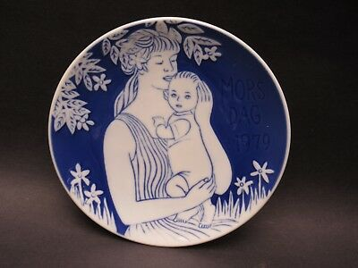 "Royal Copenhagen 6"" Mother's Day Plate Mors Dag 1979"