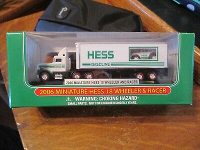 2006 Hess Miniature 18 Wheeler And Racer -  Mint In Box
