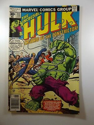 """The Incredible Hulk #212 """"Crushed by the Constrictor!"""" VG Condition!!"""