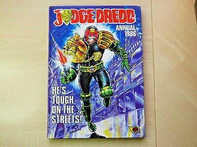 Vintage 1986 Judge Dredd Annual, not price clipped and in very good condition