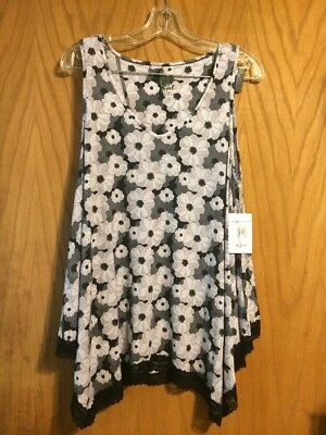 Pip & Vine Maternity 2 Piece Pajama Set - Size L - NWT! Black and white floral