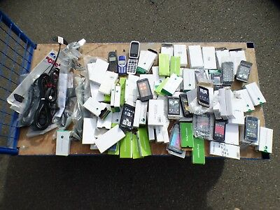 A Large Selection Of 78 Unused And Boxed Dummy Mobile Phones Plus Antennaes
