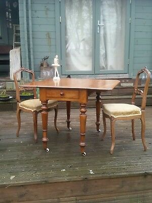 Antique Drop Leaf Pembroke Table with a Single Drawer. Beautiful Patina