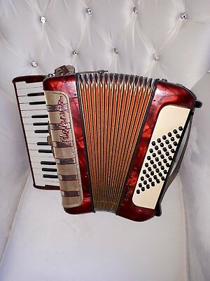 akkordeon hohner concerto i 48 bass guter  zustand no paypal in Rot mit koffer