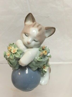 "Retired LLADRO  #6567 ""Dreamy Kitten"" Kitty Cat DAMAGED Sleeping on Flower Pot"