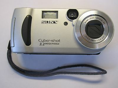 Sony Cyber-shot DSC-P71 3.2MP Digital Camera - Silver Tested Fast Free Shipping